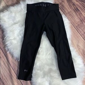 Small Under Armour 3/4 compression leggings
